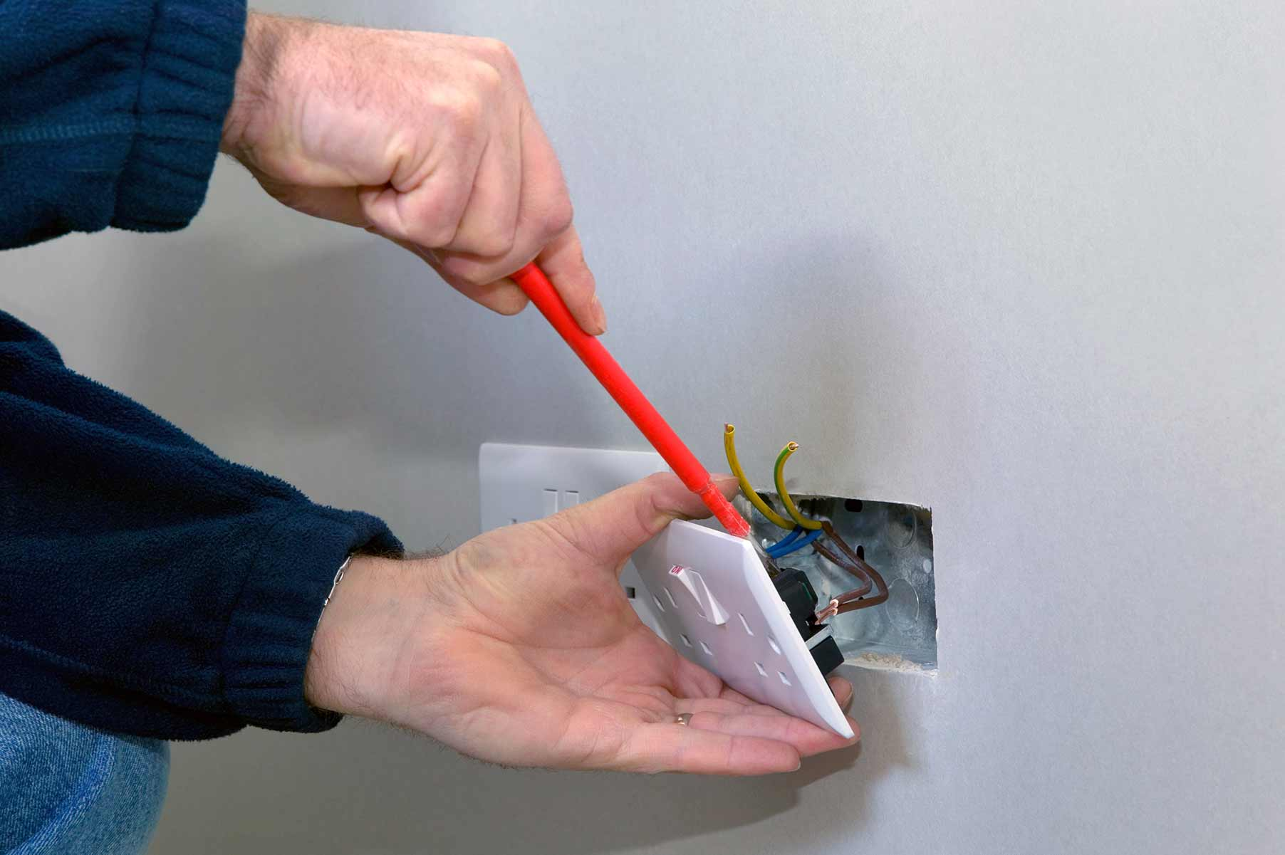 Our electricians can install plug sockets for domestic and commercial proeprties in Chelsea and the local area.